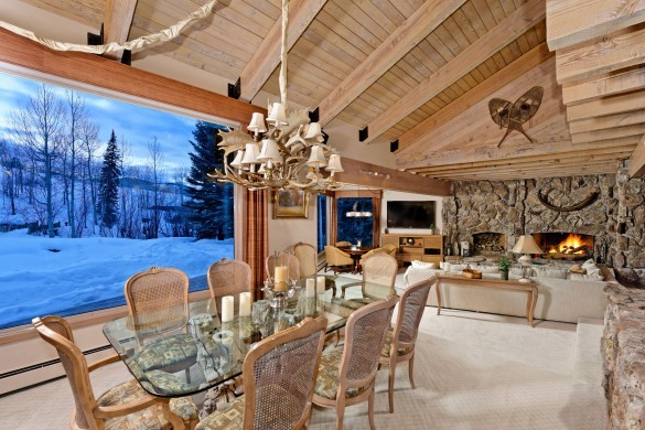 USA:Colorado:Aspen:SnowmassSlopeside_TheSlopes:diningroom0.jpg