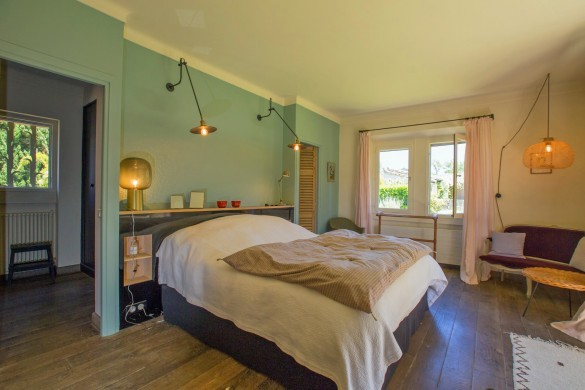 France:Provence:SaintRemydeProvence:Villa7_VillaLille:bedroom21.JPG