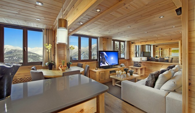 France:Courchevel:ApartmentPearl_ApartmentPatrice:livingroom.jpg