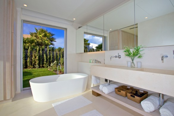 Spain:Ibiza:CalaContaDream_VillaClarinda:bathroom64.jpg