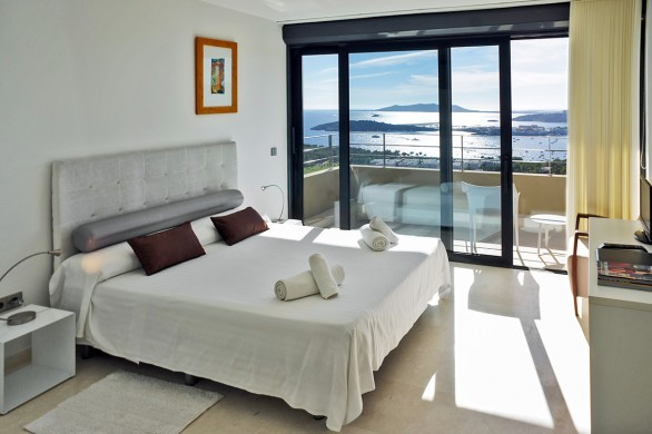 Spain:Ibiza:CasaPiro_VillaPia:bedroom18.jpg