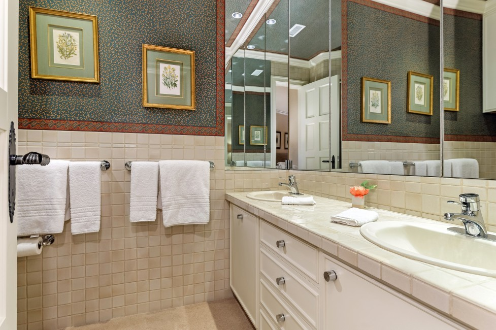 USA:Colorado:Aspen:PitkinEstate_ThePines:bathroom19.jpg