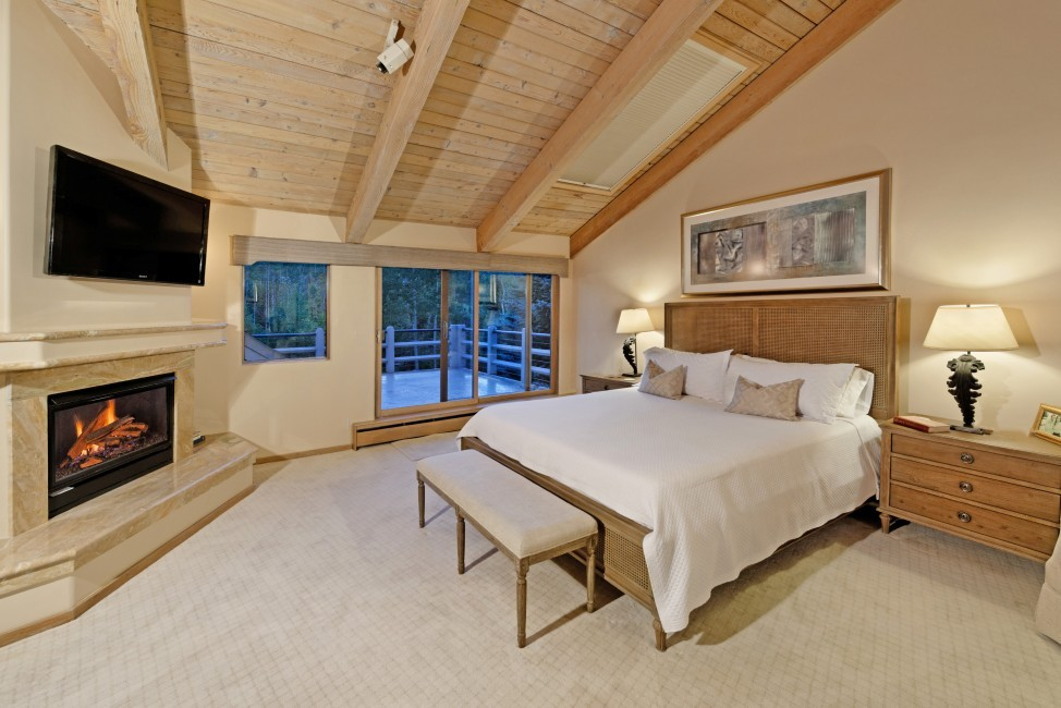 USA:Colorado:Aspen:SnowmassSlopeside_TheSlopes:bedroom1.jpg