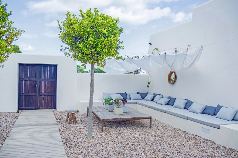 Spain:Ibiza:CatarinaSantaGertrudis_EstateGraciana:terrace763.JPG