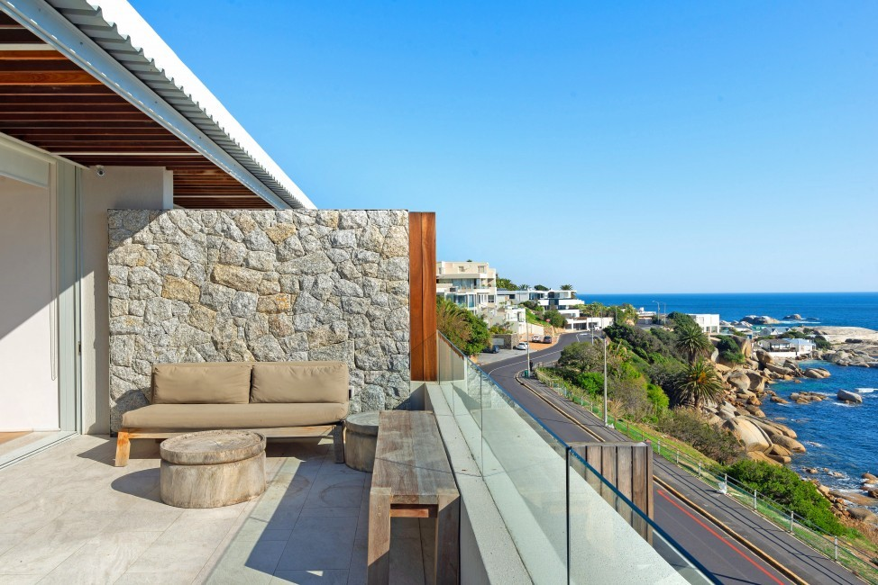 SouthAfrica:CapeTown:Rock_ApartmentRoxey:terrace87.jpg