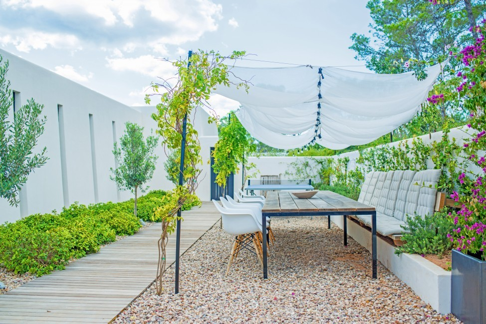 Spain:Ibiza:CatarinaSantaGertrudis_EstateGraciana:terrace253.JPG