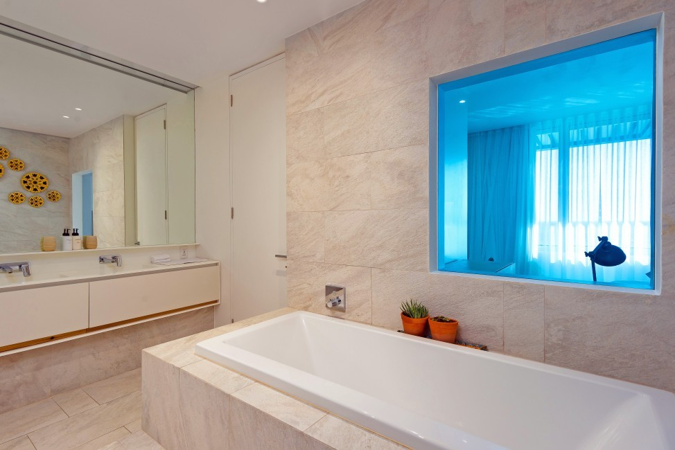 SouthAfrica:CapeTown:Rock_ApartmentRoxey:bathroom19.jpg