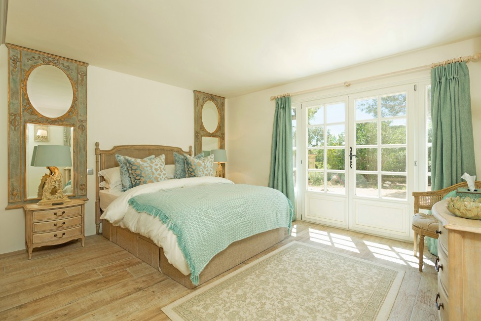 France:St. Tropez:VillaChenelle_VillaChantal:bedroom536.jpg