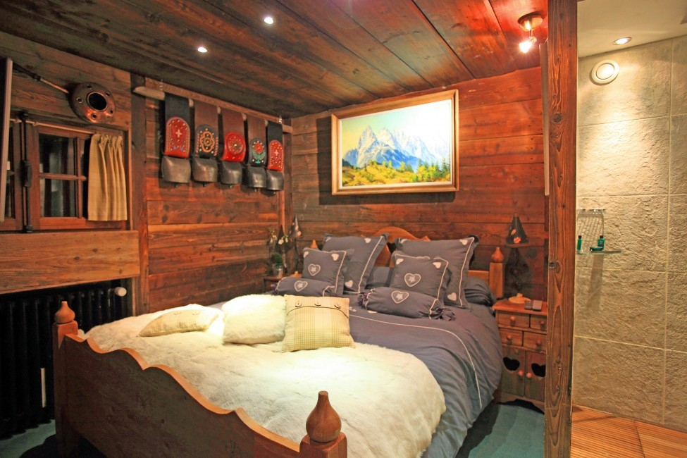 France:Chamonix:Hameau_ChaletHonore:bedroom5.jpg