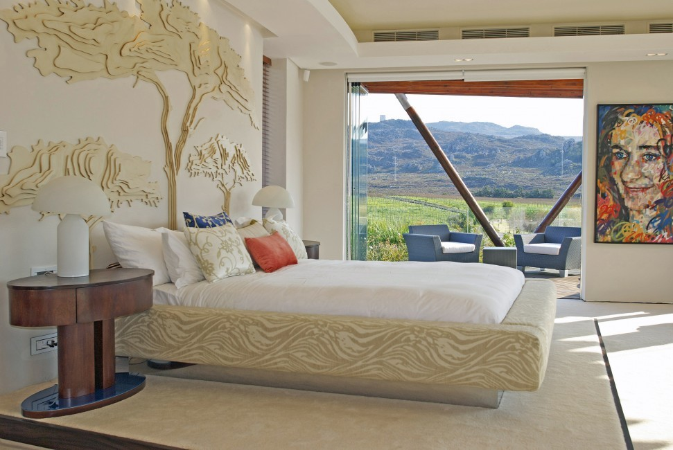 SouthAfrica_Elgin_ElviraEstate_bedroom422.jpg