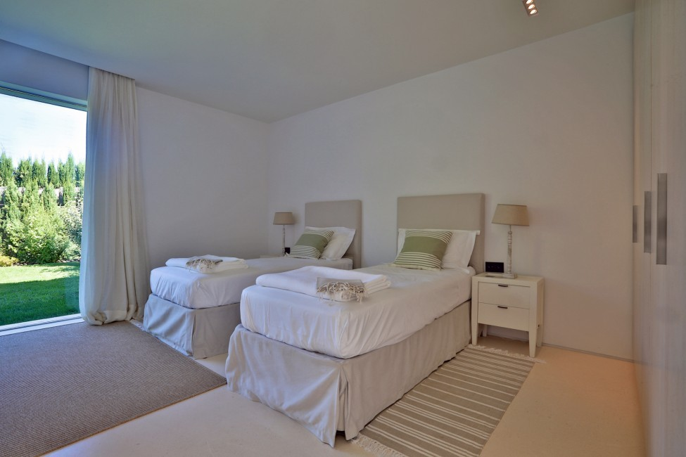 Spain:Ibiza:CalaContaDream_VillaClarinda:bedroom13.jpg