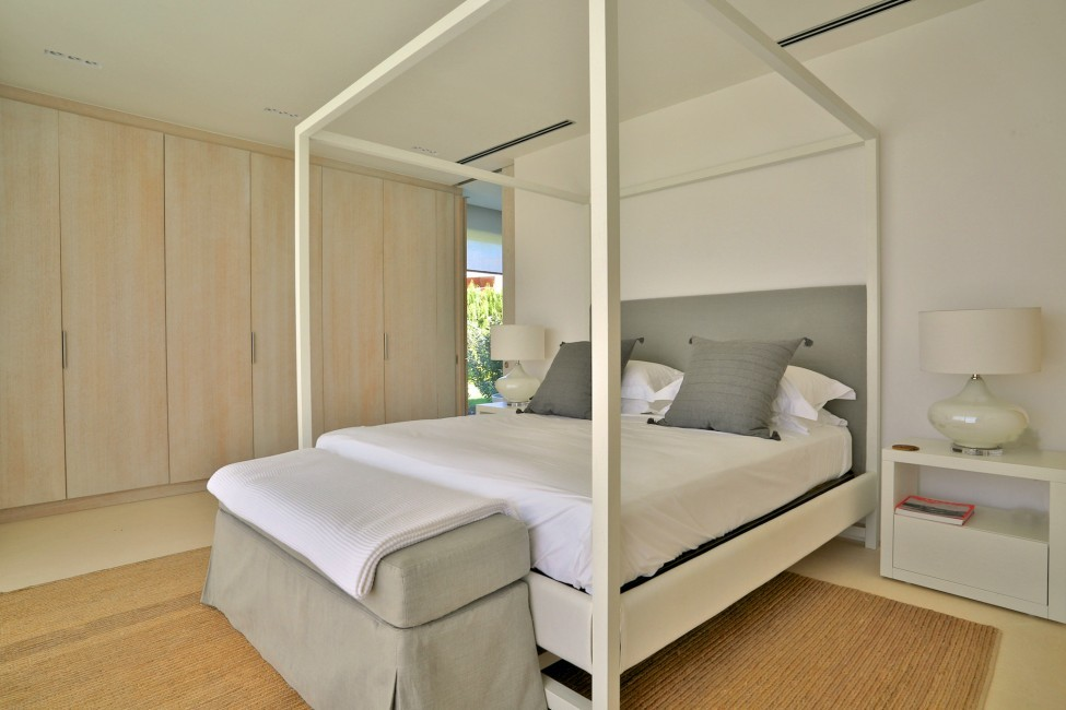 Spain:Ibiza:CalaContaDream_VillaClarinda:bedroom45.jpg