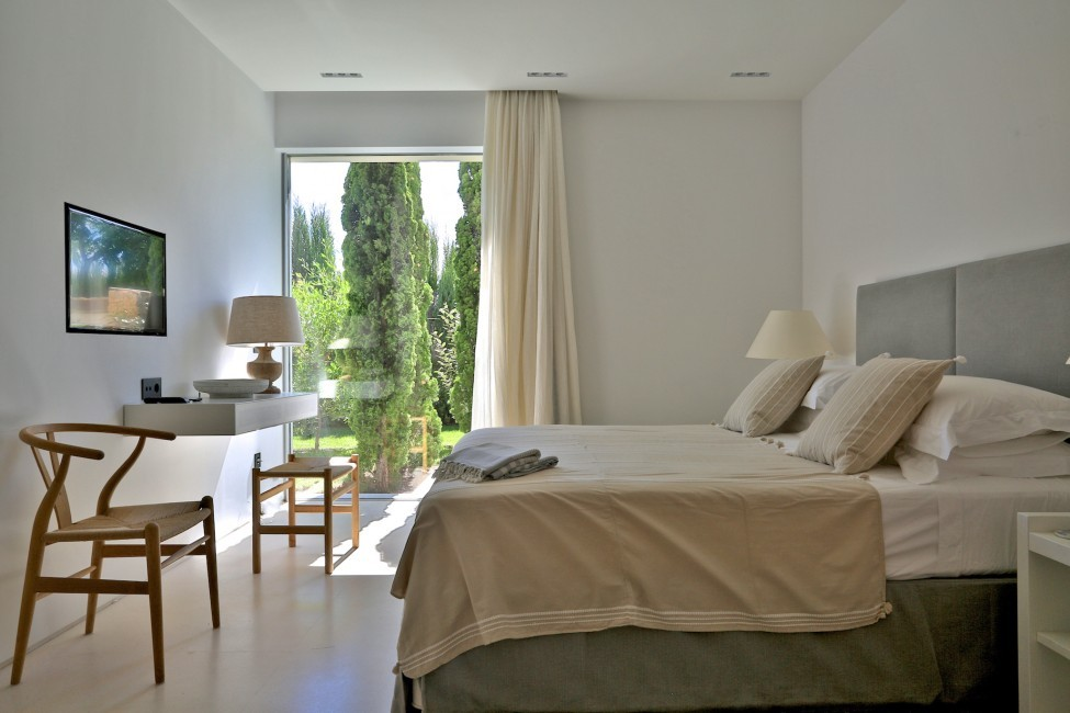 Spain:Ibiza:CalaContaDream_VillaClarinda:bedroom67.jpg