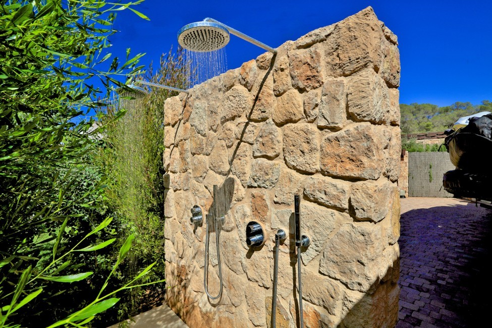 Spain:Ibiza:CalaContaDream_VillaClarinda:shower4.jpg