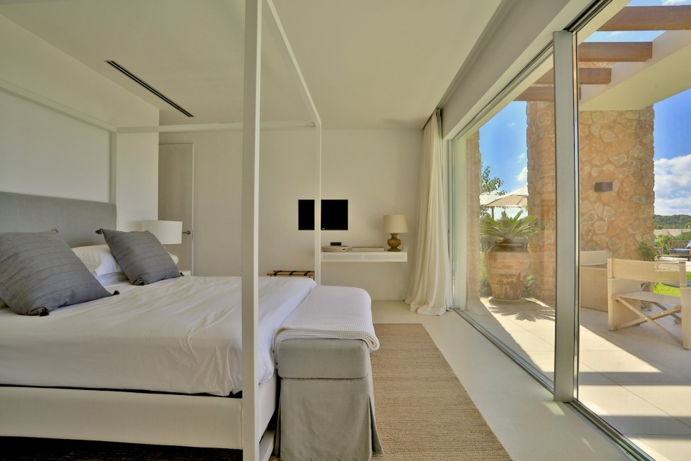 Spain:Ibiza:CalaContaDream_VillaClarinda:bedroom134.jpg
