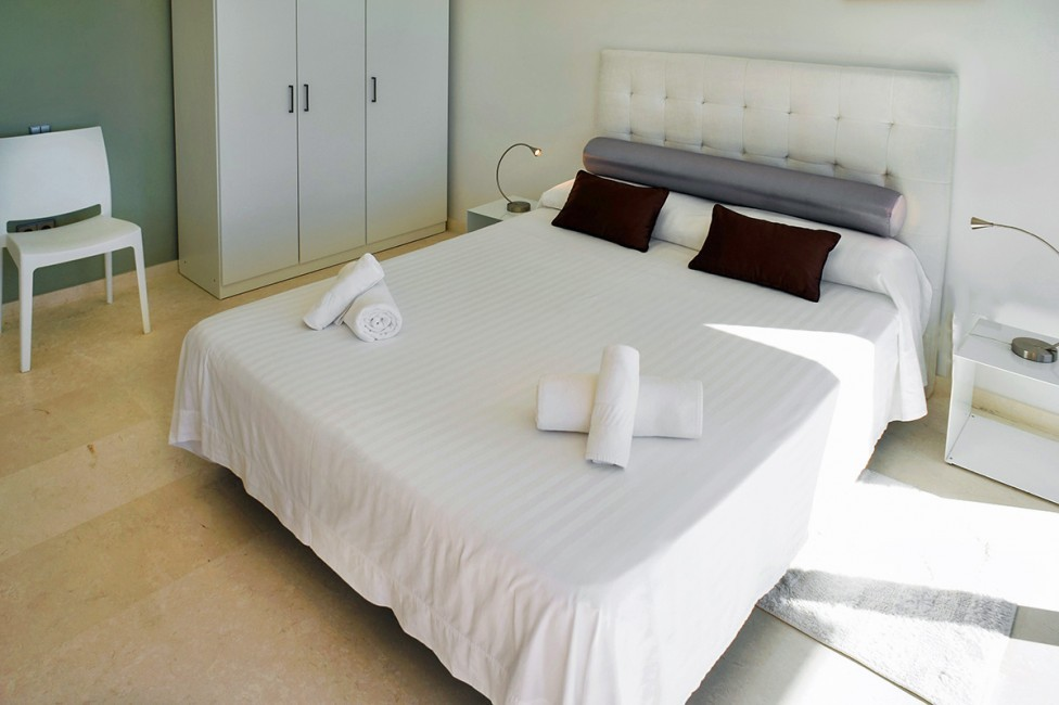 Spain:Ibiza:CasaPiro_VillaPia:bedroom17.jpg