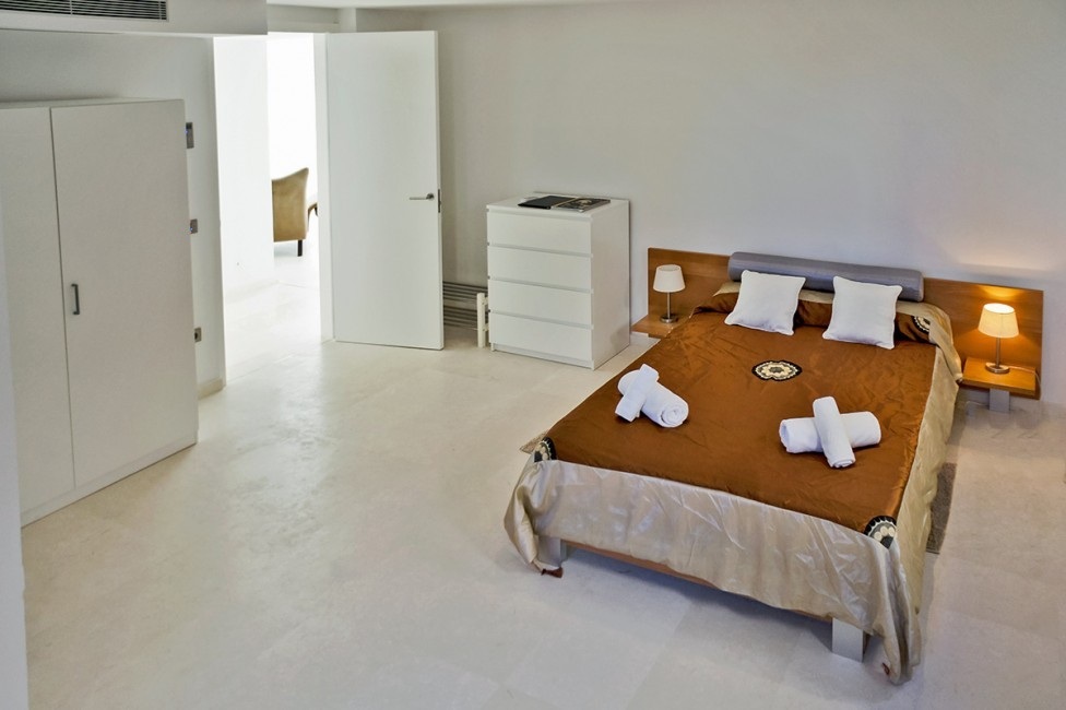 Spain:Ibiza:CasaPiro_VillaPia:bedroom21.jpg