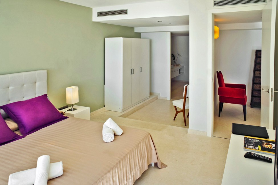 Spain:Ibiza:CasaPiro_VillaPia:bedroom20.jpg