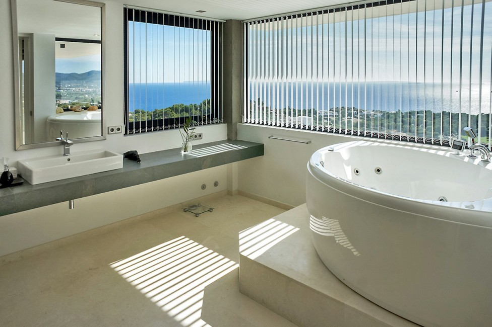 Spain:Ibiza:CasaPiro_VillaPia:bathroom23.jpg