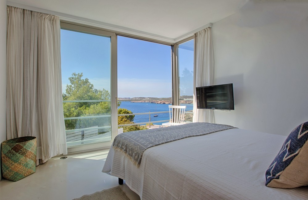 Spain:Ibiza:CanCalaMoli_VillaMagali:bedroom6.jpg