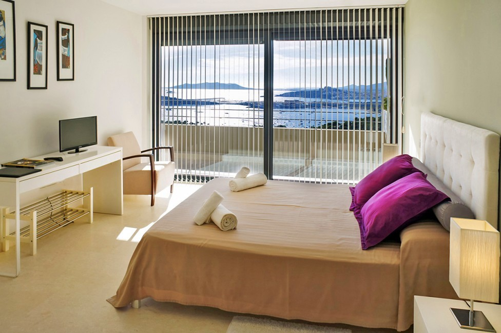 Spain:Ibiza:CasaPiro_VillaPia:bedroom19.jpg