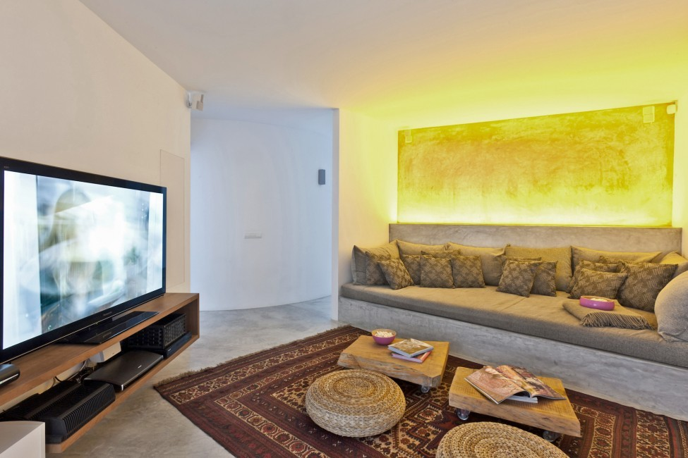 Spain:Ibiza:SanJose:VistaEsTorrent_VillaEnzo:homecinema22.jpg