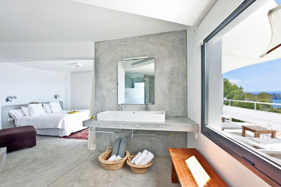 Spain:Ibiza:SanJose:VistaEsTorrent_VillaEnzo:bathroom8.jpg