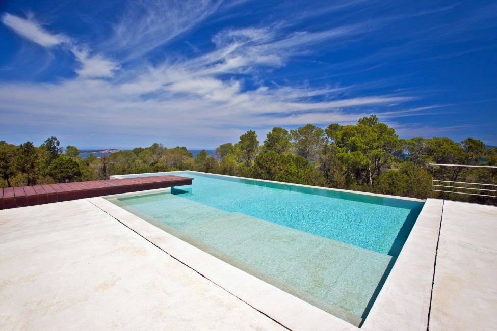 Spain:Ibiza:PepCalo_VillaChello:pool50.jpg