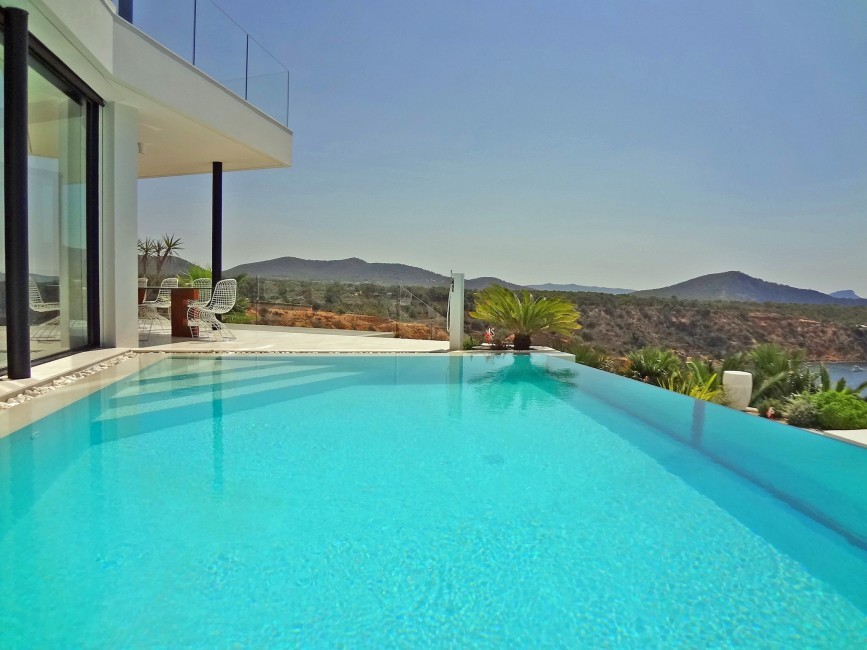 Spain:Ibiza:VillaBuena_VillaEster:pool32.JPG