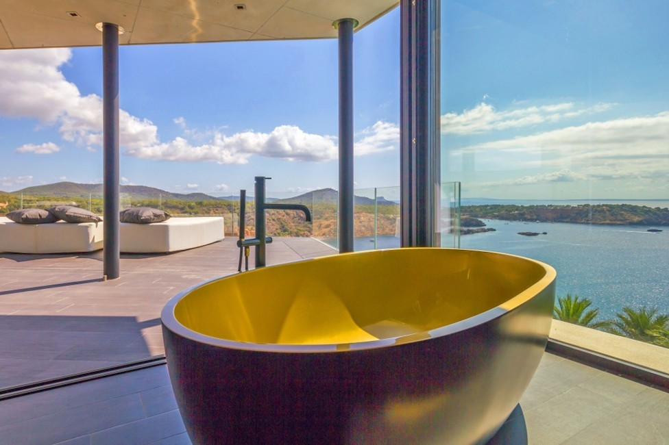 Spain:Ibiza:VillaBuena_VillaEster:bathroom8.jpg