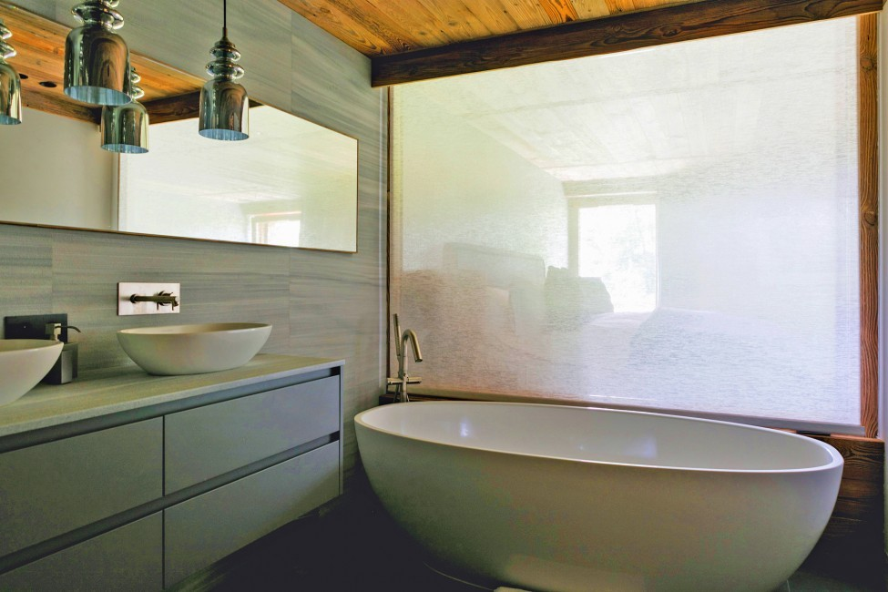 France:Megeve:ChaletNoma_ChaletNellie:bathroom124.jpg