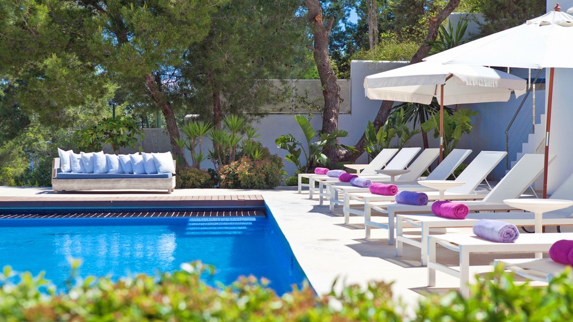 Spain:Ibiza:VillaFabric_VillaFranca:pool1.jpg
