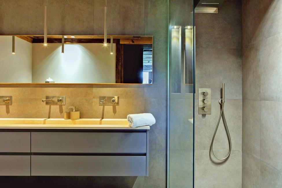 France:Megeve:ChaletNoma_ChaletNellie:bathroom23.jpg