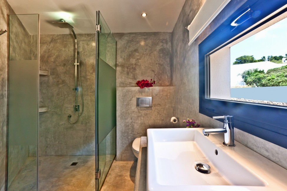 Spain:Ibiza:SanJose:VistaEsTorrent_VillaEnzo:bathroom18.jpg
