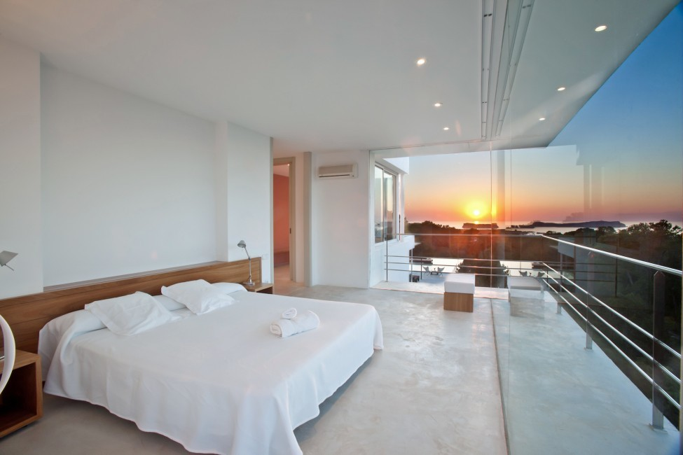 Spain:Ibiza:PepCalo_VillaChello:bedroom27.jpg