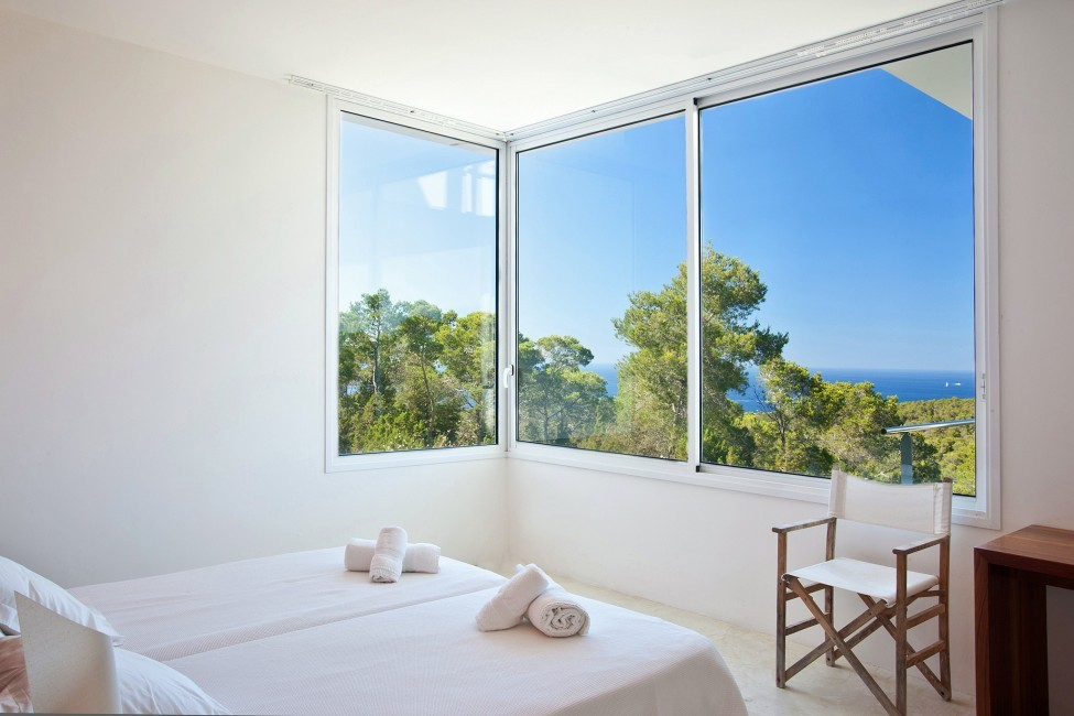 Spain:Ibiza:PepCalo_VillaChello:bedroom12.jpg
